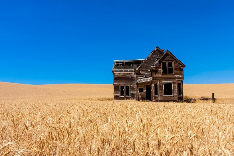 The 60 most beautiful abandoned places on earth for Building a house in oregon