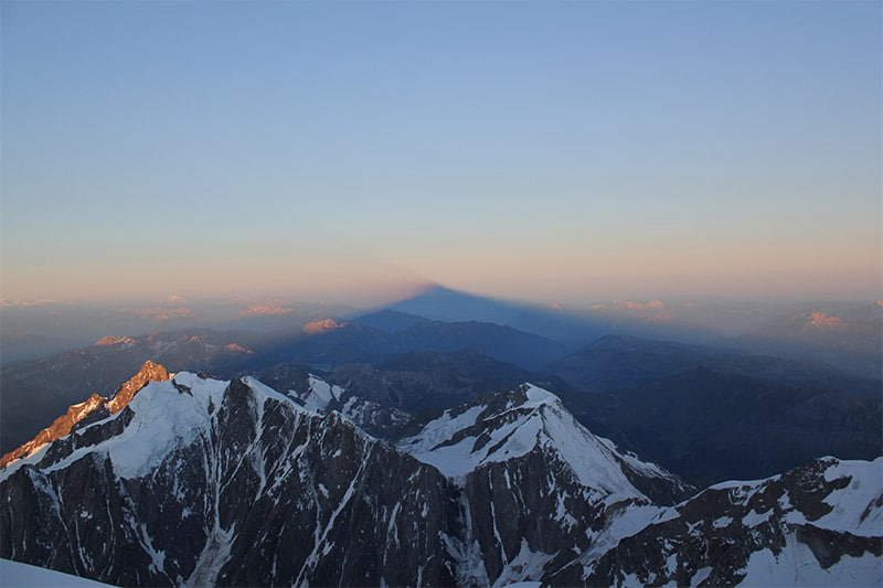 Mont-Blanc_Shadow