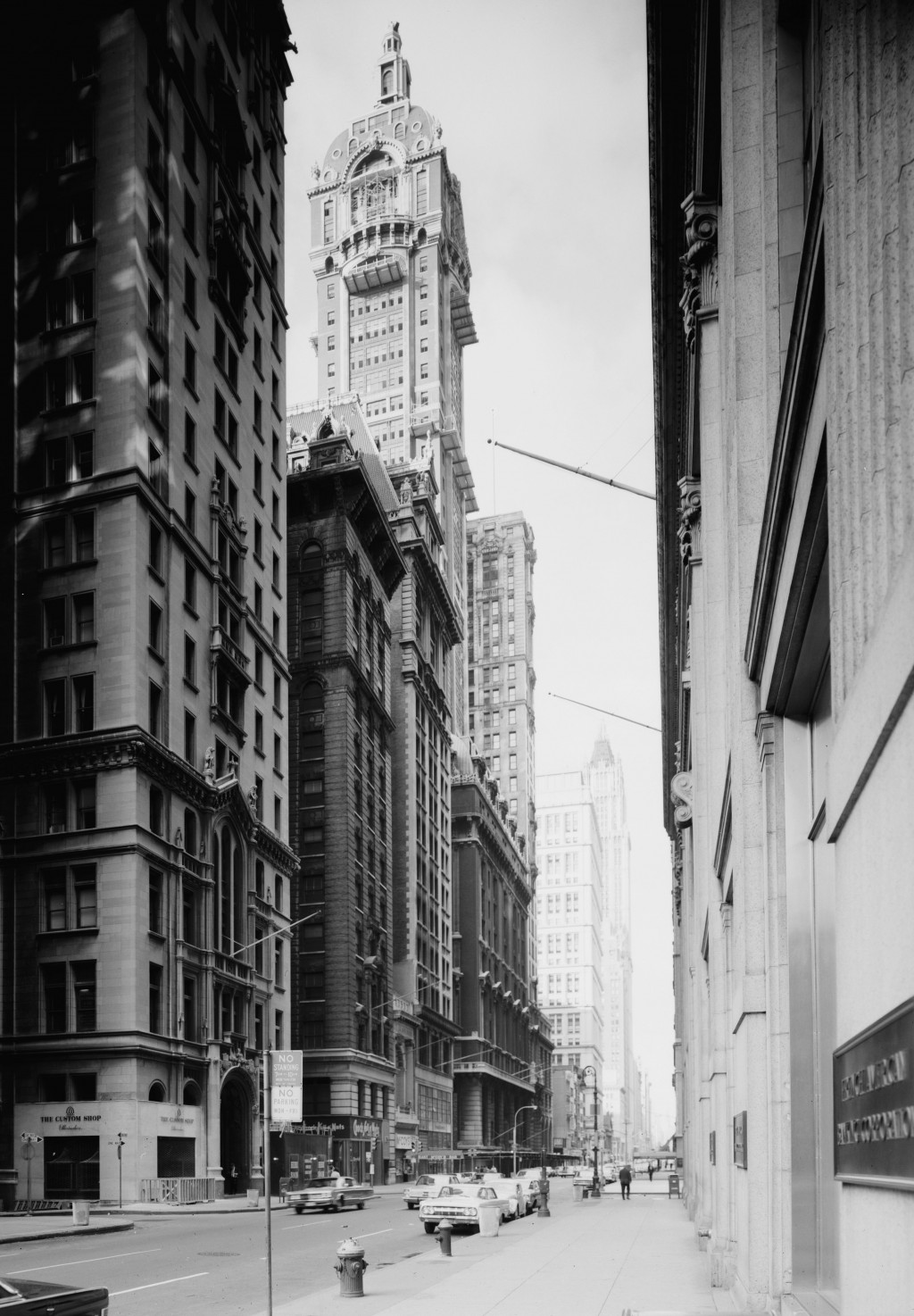 Demolition works begin on the Singer Building (center). July 1967.